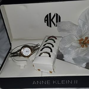 Beautiful nwt Ann Klein watch